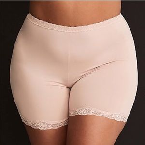 NWT plus size shaping panty